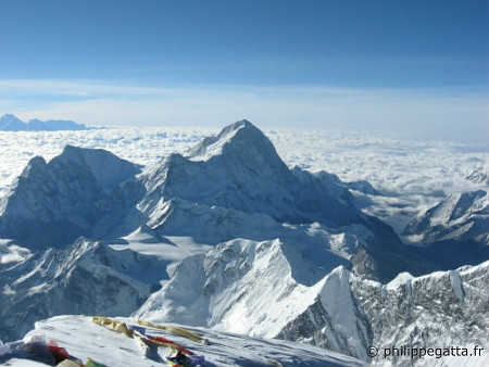 Makalu seen from Mt. Everest (� P. Gatta)