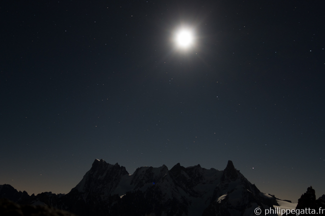 Full moon over Grandes Jorasses and Rochefort ridge from Col du Fou (© P. Gatta)