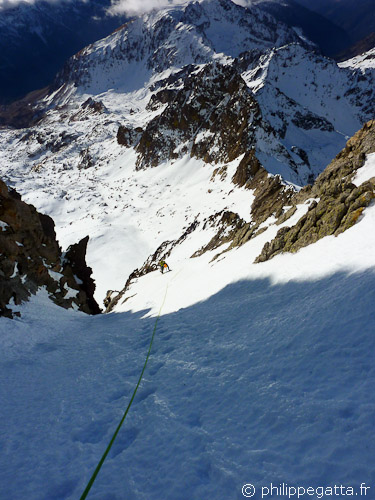 Final slope of the West Couloir of Gelas (© Philippe Gatta)