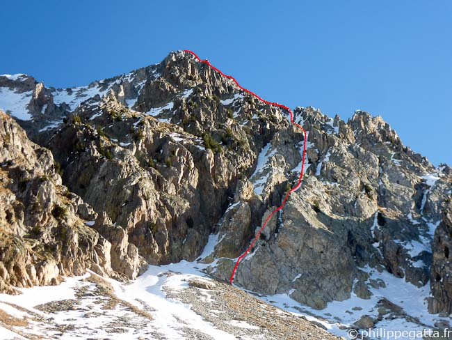 Right Gully in the West face of Cime Fremamorte (red) (© Philippe Gatta)