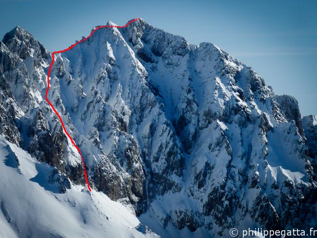 Diagonal route in Grand Capelet (red) (© Philippe Gatta)