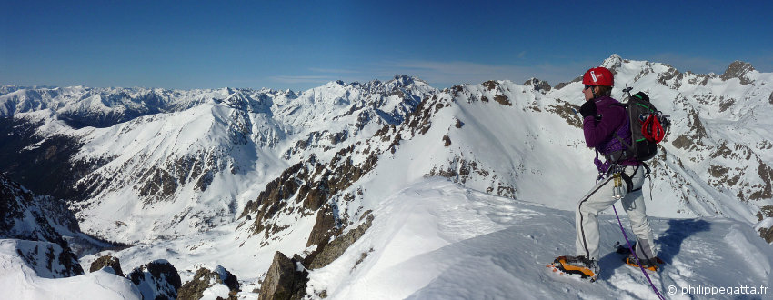 Anna on the top of Mont Neiglier (© P. Gatta). Gelas and Maledie behind