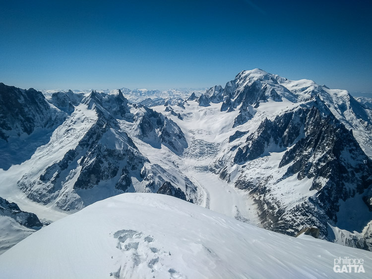 Mont Blanc Massif from the top of Aiguille Verte (© P. Gatta)