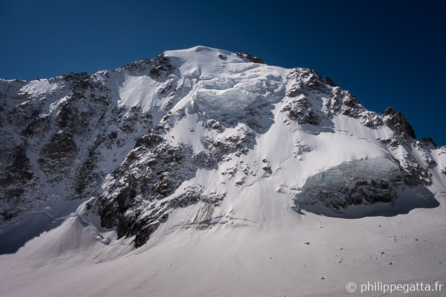 North Face of Aiguille Argentiere (© P. Gatta)