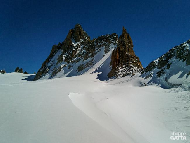 On the way to Fenetre du Tour, Grande Fourche on the left (© P. Gatta)