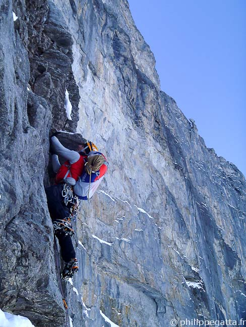 Philippe in the Difficult Crack, North Face of Eiger (© Alex Chabot)