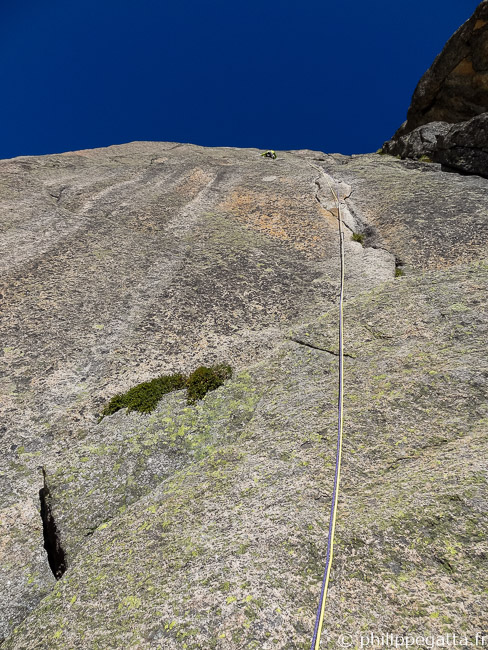 The steep first 6a+ pitch (© A. Gatta)