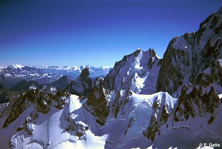 APeuterey ridge and Grand Pilier d'Angle (� P. Gatta)