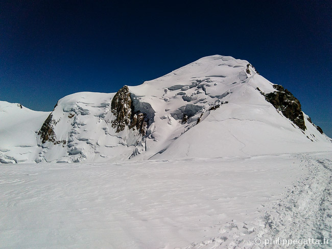 Mont Blanc seen from Dome du Gouter (© P. Gatta)