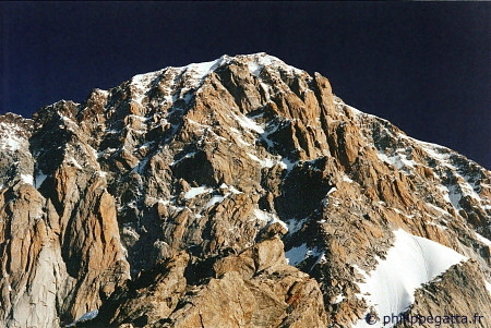 Central Pillar of Fr�ney seen from the Innominata (� P. Gatta)