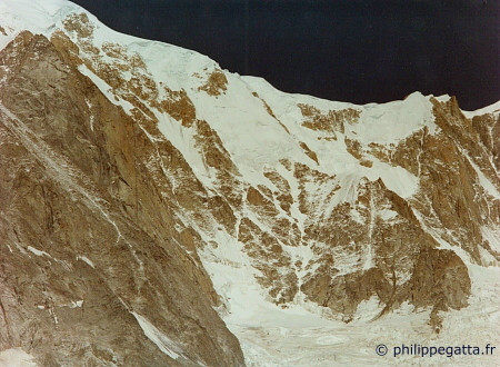 Col Moore and Brenva spur seen from Peuterey (� P. Gatta)