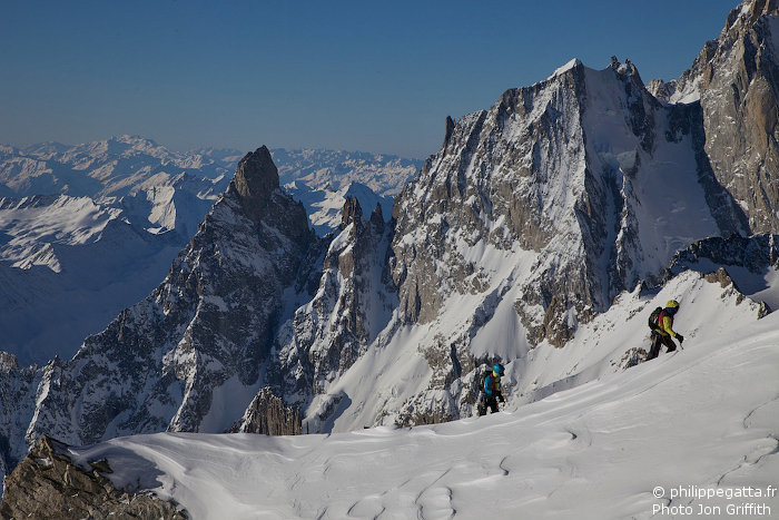On the Rochefort ridge. Aiguille Noire and Aiguille Blanche de Peuterey behind (Photo J. Griffith)