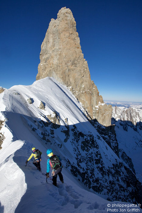 Sur l'arête de Rochefort, Dent du Geant (Photo J. Griffith)