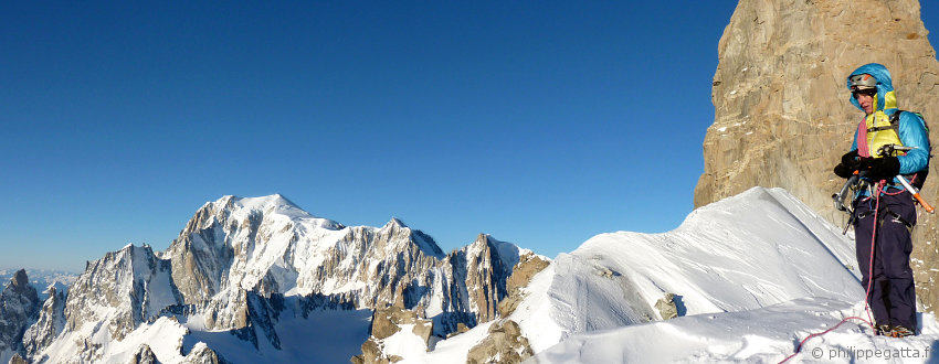 Anna Gatta on Rochefort ridge, Mont Blanc on the left (© P. Gatta)