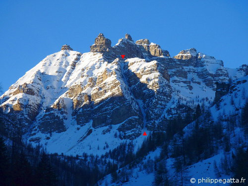 Bec du Chateau and the Northeast Couloir (© P. Gatta)