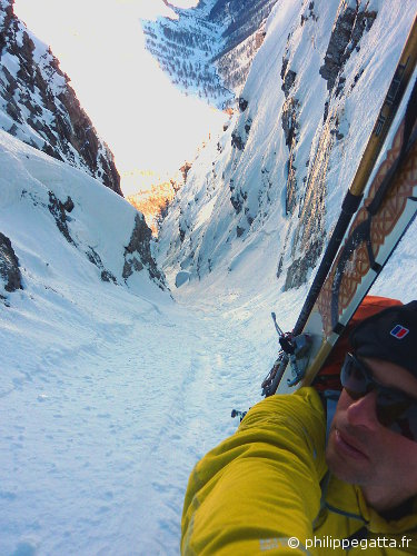 In the Northeast Couloir of Bec du Chateau