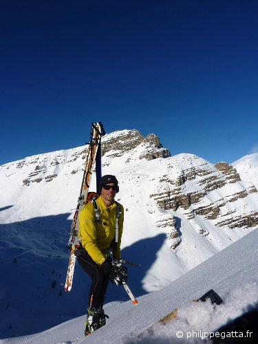 On the top of Northeast Couloir of Bec du Chateau