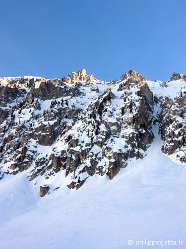 North face of Tête des Portettes, the gully Motivation Encaissée is on the right (© P. Gatta)