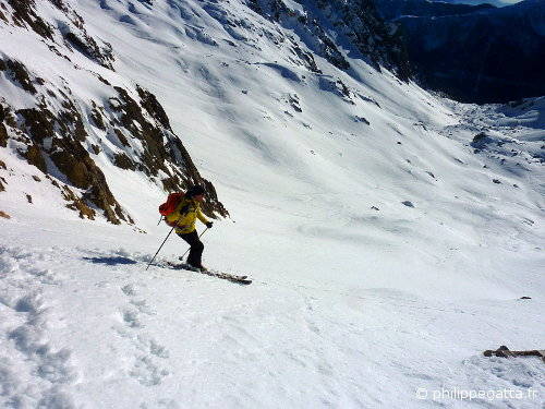 Philippe skiing down the Col of Guilié