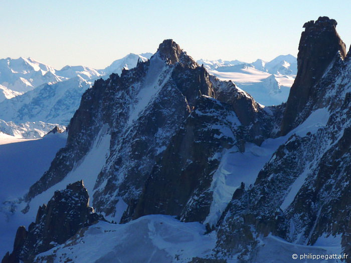 Tour Ronde North face and Grand Capucin (right) (© P. Gatta)