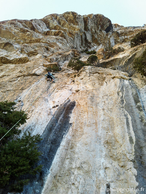 First pitch of Dissipation, 6a+ (© P. Gatta)