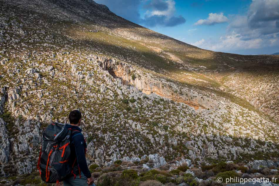 On the way to Sikati Cave, Kalymnos(© A. Gatta)