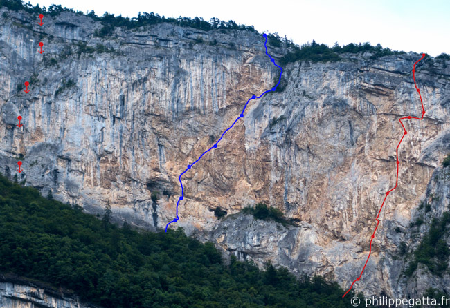 La Maladiere, Indiana Jaune (blue) and Noli Me Tangere in red (right), Tropiques rappels (left) (© P. Gatta)