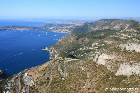 Sector of La Loubi�re, St Jean Cap Ferrat and Nice behind (� P. Gatta)