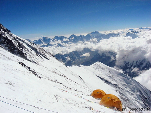 Everest Camp 3 (� P. Gatta)