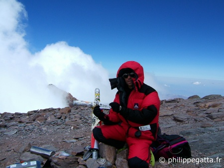 Summit of Aconcagua, 6962m (� P. Gatta)