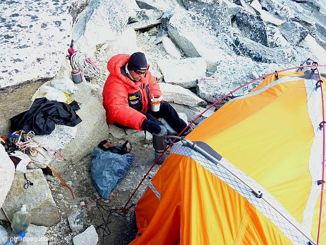 Camp 1 at 5 750 m (Photo � P. Gatta)