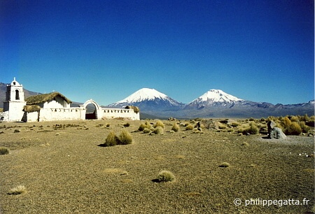 Parinacota (6348 m) and the Pomerape (6240 m) (� P. Gatta)