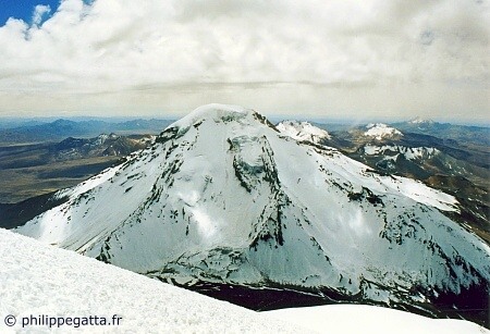 Pomerape seen from the top of Parinacota (� P. Gatta)