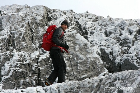 Close to the summit ridge of Ngga Pulu (� P. Gatta)
