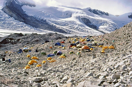 Cho Oyu base camp (� P. Gatta)