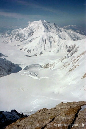 Mount Foraker seen from McKinley's camp 5 (� P. Gatta)