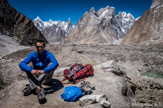 Philippe in Urdukas, Trango Towers in the background (� P. Gatta)