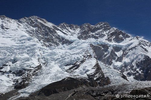 Southwest face of Kangchenjunga from the Yalung glacier (© Philippe Gatta)