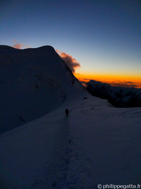 Back on West Col at sunset (� P. Gatta)