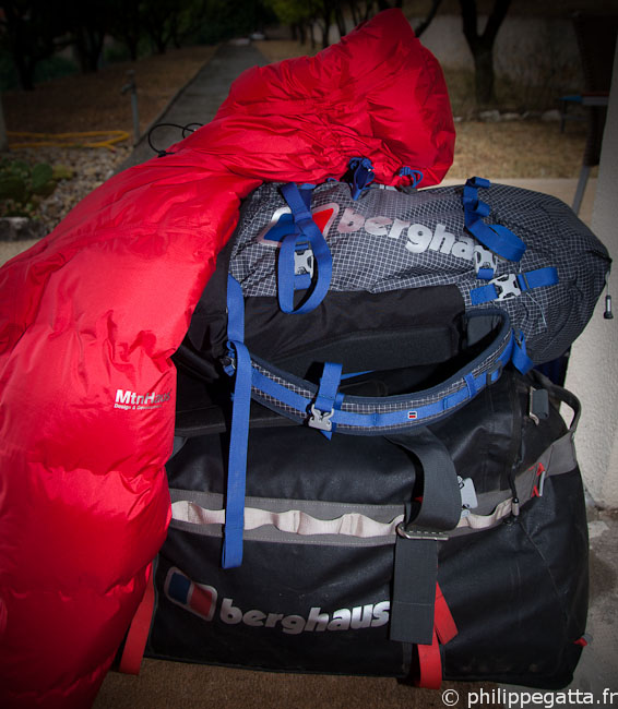The kit for the Khan-Tengri expedition (© Anna Gatta)