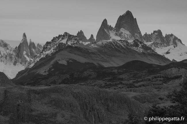 From Cerro Torre (left) to Fitz Roy (highest) (© P. Gatta)