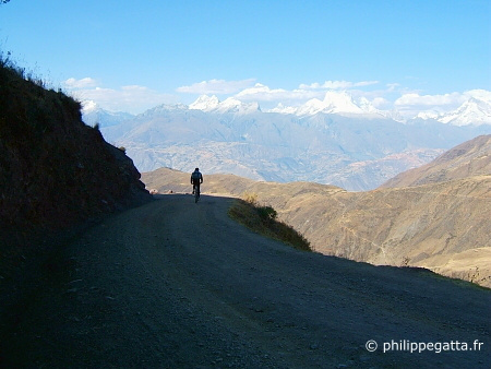 Views over the Cordillera Blanca seen from the Cordillera Negra (� P. Gatta)