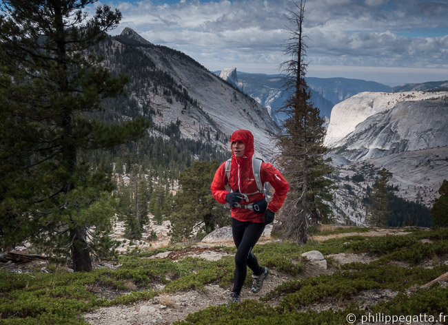 Running in Yosemite with Half Dome in the background (© P. Gatta)