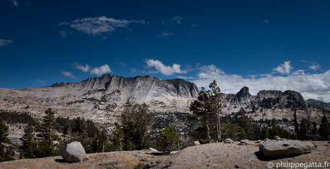 Running in Yosemite (© A. Gatta)