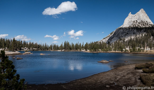 Cathedral lakes (© P. Gatta)