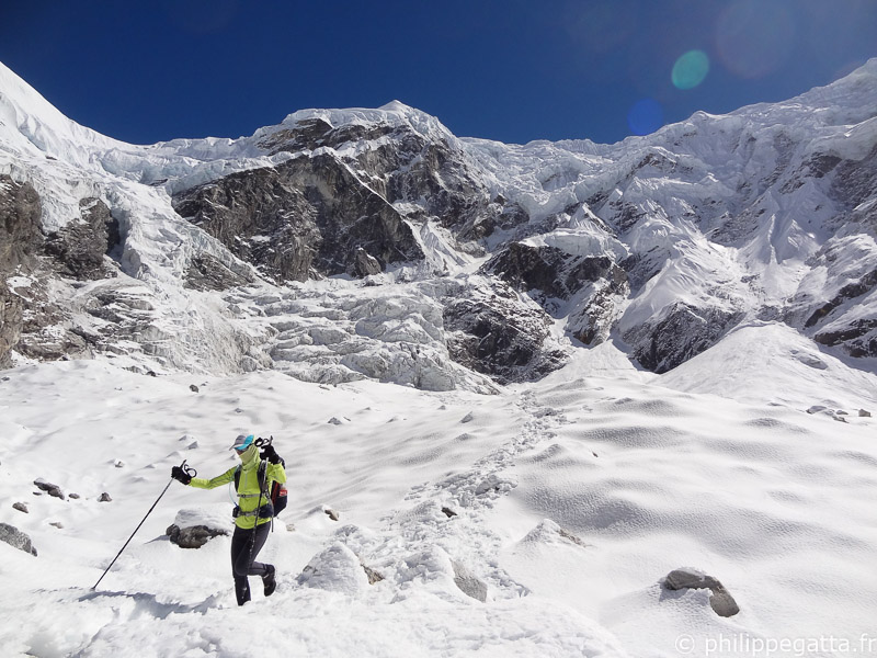 Extremes conditions on the way down from Tashi Labsta, Rolwaling (© P. Gatta)