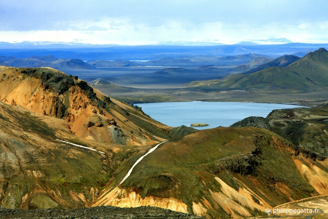 Lake of Frostastaoavatn seen from Blahnukur, above Landmannalaugar (� P. Gatta)
