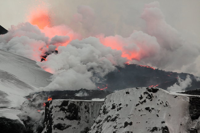 Les eruptions du volcan Eyjafjallaj�kull en 2010 (Wikimedia, Creative Commons Attribution 3)