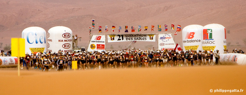 0a3e2f301 Marathon of Sands Sables  215km running race in the Sahara