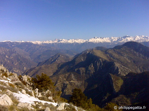 Winter view the Alps from Mont Ferion (© P. Gatta)